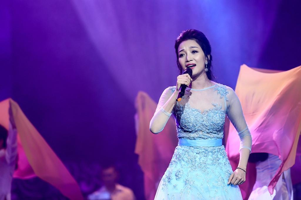 Một số hình ảnh ca sĩ Phạm Thu Hà trong chương trình