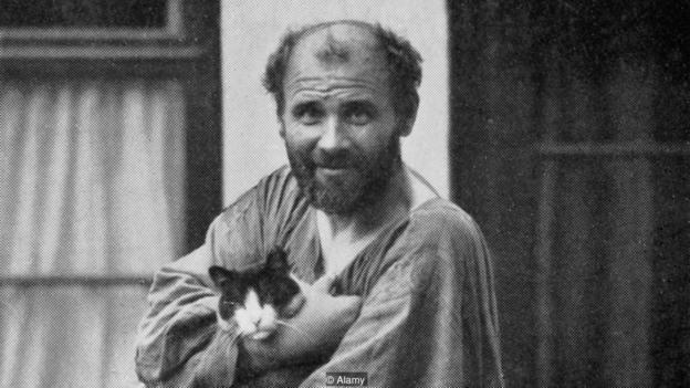 Bức ảnh chụp chân dung danh họa lập dị Gustav Klimt.