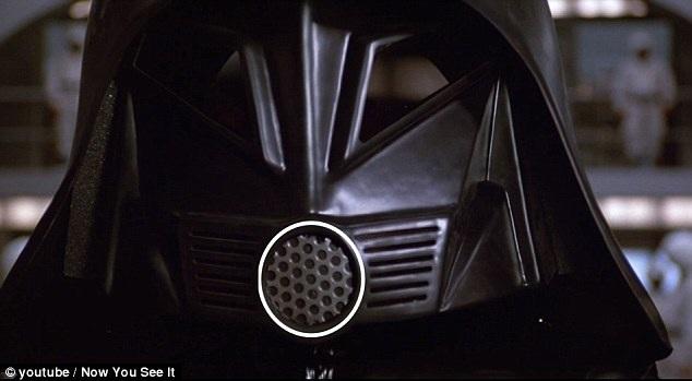 """Trong bộ phim hài """"Spaceballs"""" (Đại chiến thiên hà - 1987) lấy cảm hứng từ loạt phim """"Star Wars"""", nhân vật Lord Dark đội chiếc mũ với hình tam giác được thay bằng hình tròn, đưa lại cảm nhận tích cực hơn về nhân vật này."""