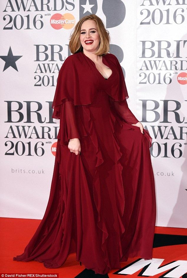"""Adele tiết lộ rằng chính lối sống tự do, phóng túng của một thời độc thân đã giúp cô thực hiện thành công album """"21"""" (2011), nhưng kể từ khi trở thành một người mẹ, cô phải tìm đến một lối sống lành mạnh, tích cực, có lợi cho con, vì vậy, cảm hứng nghệ thuật của cô cũng bị hạn chế đi nhiều."""