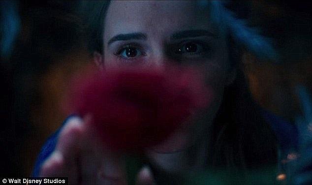 """Choáng ngợp trước cảnh phim kỳ diệu trong """"Người đẹp và quái vật"""" - 4"""