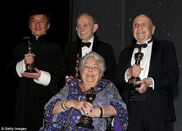 Cùng với Thành Long, còn có những nhân vật gạo cội khác từng có nhiều đóng góp cho nền công nghiệp điện ảnh được vinh danh.