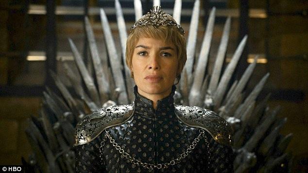 """Hiện tại, mạch phim chính của """"Trò chơi vương quyền"""" đã gần đi tới hồi kết với phần phim thứ 7 và thứ 8 đang được xúc tiến thực hiện. Phần 7 dự kiến sẽ lên sóng vào giữa năm 2017. Số phận của Nữ hoàng Cersei Lannister là rất đen tối."""
