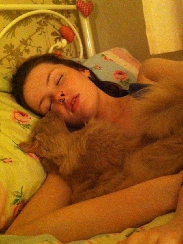 """Hiện tại, Beth lại đang trong một nhịp """"ngủ"""" và cô đã ngủ được 2 tháng rưỡi."""