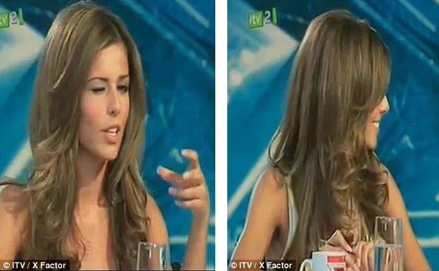 """Sau khi Liam nháy mắt với cô trong phần thi hát của mình, nữ giám khảo cũng hài hước nháy mắt """"đáp lễ"""" trong phần nhận xét."""