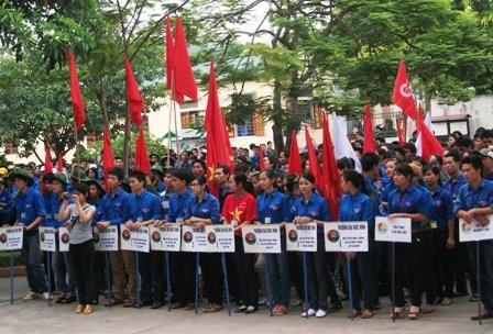 Nghệ An: 2.000 tình nguyện viên tham gia tiếp sức mùa thi 2011 - 1
