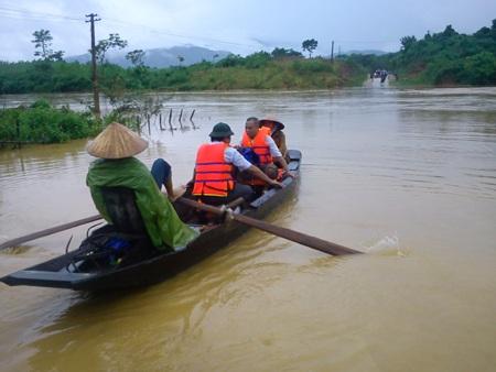 Cận cảnh mưa lũ tàn phá Con Cuông - 10