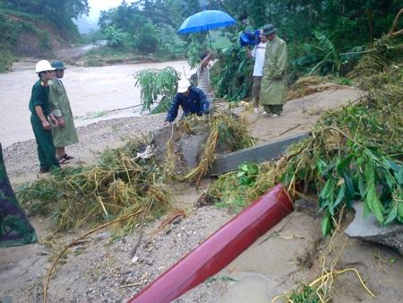 Cận cảnh mưa lũ tàn phá Con Cuông - 4