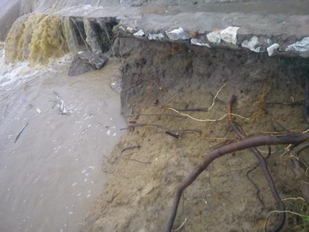 Cận cảnh mưa lũ tàn phá Con Cuông - 5