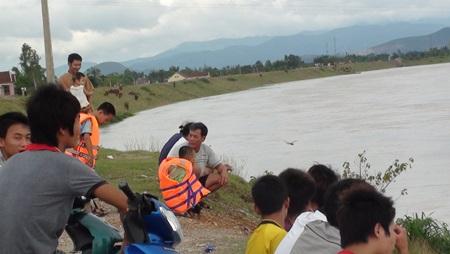 Nước sông Lam dâng cao, hàng trăm hộ dân ngập lụt  - 7