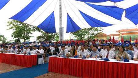 Các đại biểu tham dự lễ phát động.