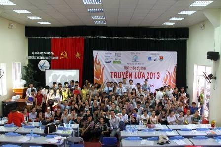 Hội thảo tổ chức triển lãm thông tin du học ở các nước cho các bạn học sinh, sinh viên tham khảo.