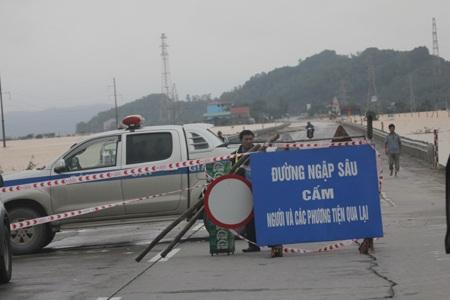 Biển cấm đi vào khi vực nguy hiểm được đặt tại Hồng Lĩnh.