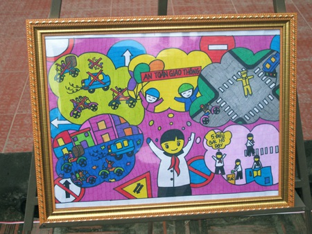 Bức tranh đạt giải Nhất trong cuộc thi vẽ tranh Vì an toàn giao thông thành phố.