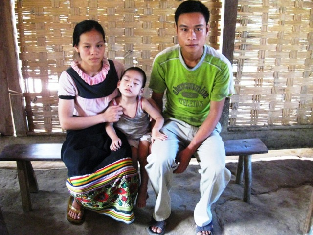 Em bé Bản Ban và nỗi khổ nhà nghèo vì túng thiếu 50 triệu