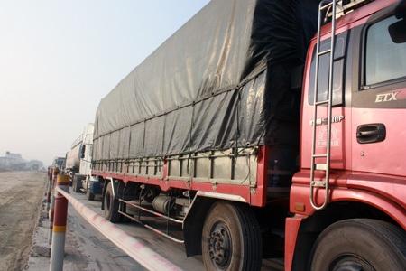 Vụ tai nạn đã khiến giao thông bị tắc nghẽn hơn 3 giờ đồng hồ.