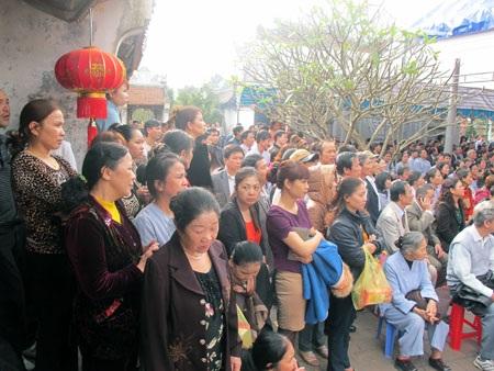 Hàng nghìn du khách thập phương đến tham dự Lễ kỷ niệm.