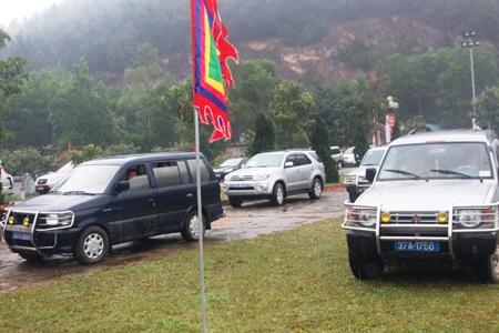 Chủ tịch UBND tỉnh Nghệ An ra Công điện nghiêm cấm xe công đi đền chùa.