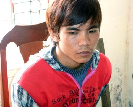 Đối tượng Phan Văn Tùng bị CA huyện Yên Thành bắt giữ vào tối ngày 17/2.