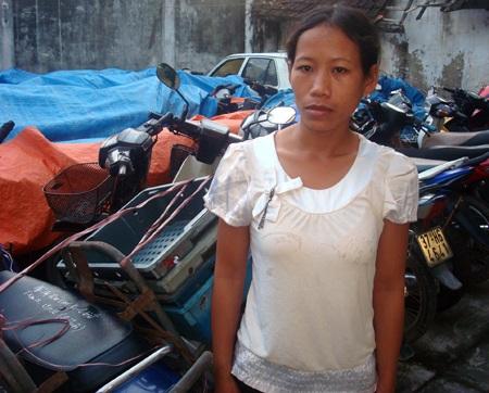 Trúc và tang vật được đưa về công an Quỳnh Lưu.