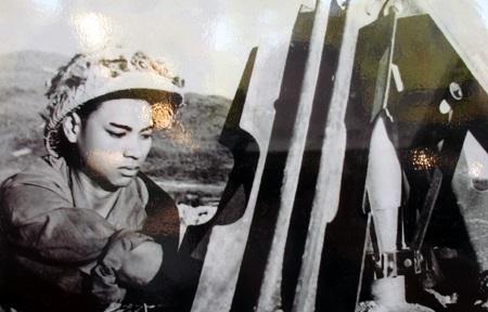 Dũng sỹ phá bom Hồ Trọng Nho, C317 TNPX Nghệ An đã phá được hàng trăm quả bom từ trường.