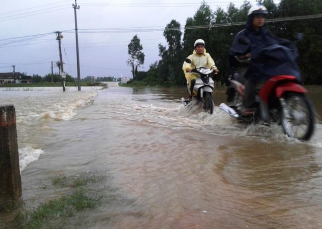 Từ hôm nay đến hết ngày mai (4/11), một số tỉnh thuộc khu vực Duyên hải Nam Trung Bộ sẽ tiếp tục có mưa lớn (Ảnh minh họa: Doãn Công).