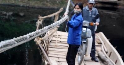 Đu dây vượt sông giữa thủ đô Hà Nội