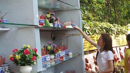 Cận cảnh lễ cầu siêu cho chó mèo độc nhất vô nhị ở Hà Nội