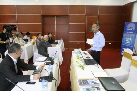 Chung khảo Nhân tài Đất Việt 2013: Căng thẳng và kịch tính đến phút chót