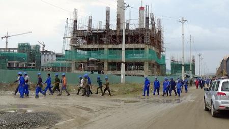 Lao động nước ngoài làm việc trong công trường Formosa