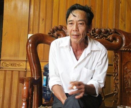 Nguyễn Văn Ngân, xóm trưởng xóm Hồ Sencho rằng cán bộ xã làm việc quá sai sót