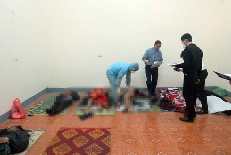 Cơ quan pháp ý tiến hành nhận dạng các nạn nhân tử vong trong vụ sập giàn giáo
