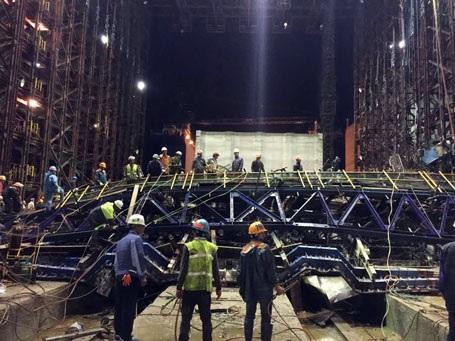 Hiện trường giàn giáo được coi là hiện đại đổ nát sau vụ sụp đổ tối ngày 25/3