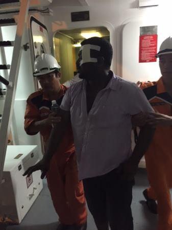 Thuyền viên bị nạn đã được đưa về Đà Nẵng cấp cứu