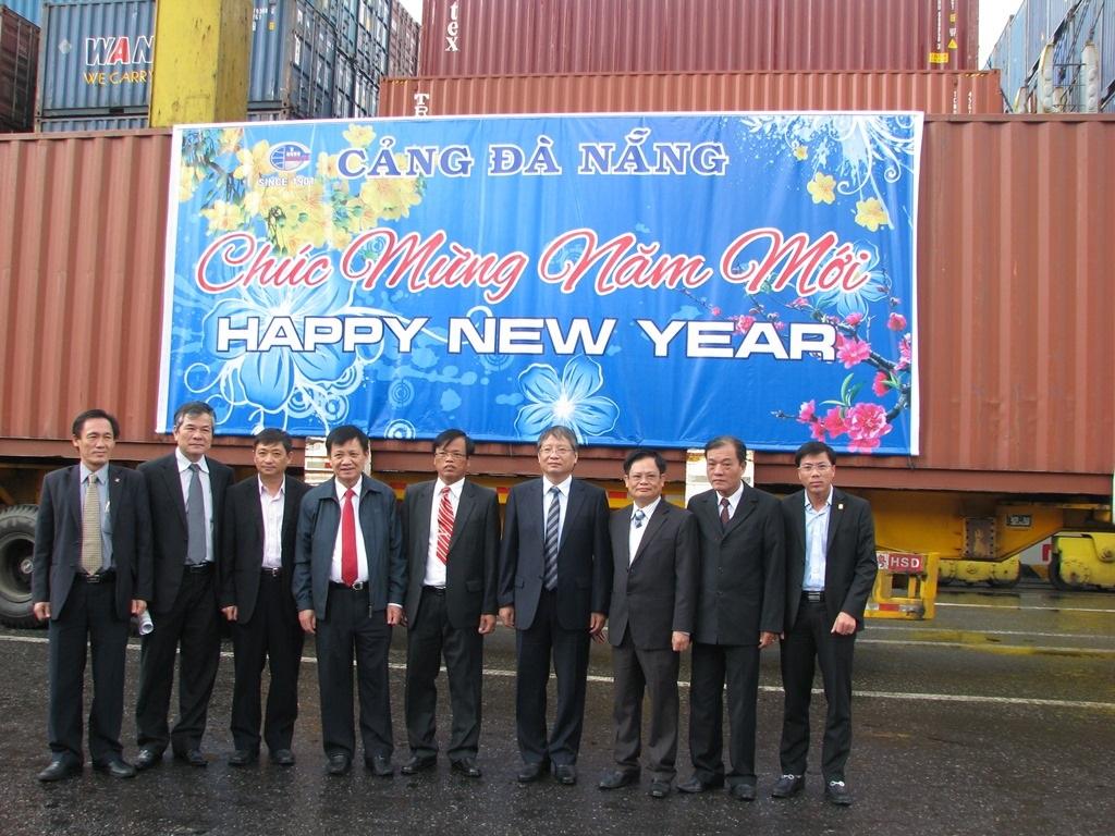 Năm 2015, cảng Đà Nẵng phấn đấu đạt mục tiêu 6,3 triệu tấn hàng hóa thông qua