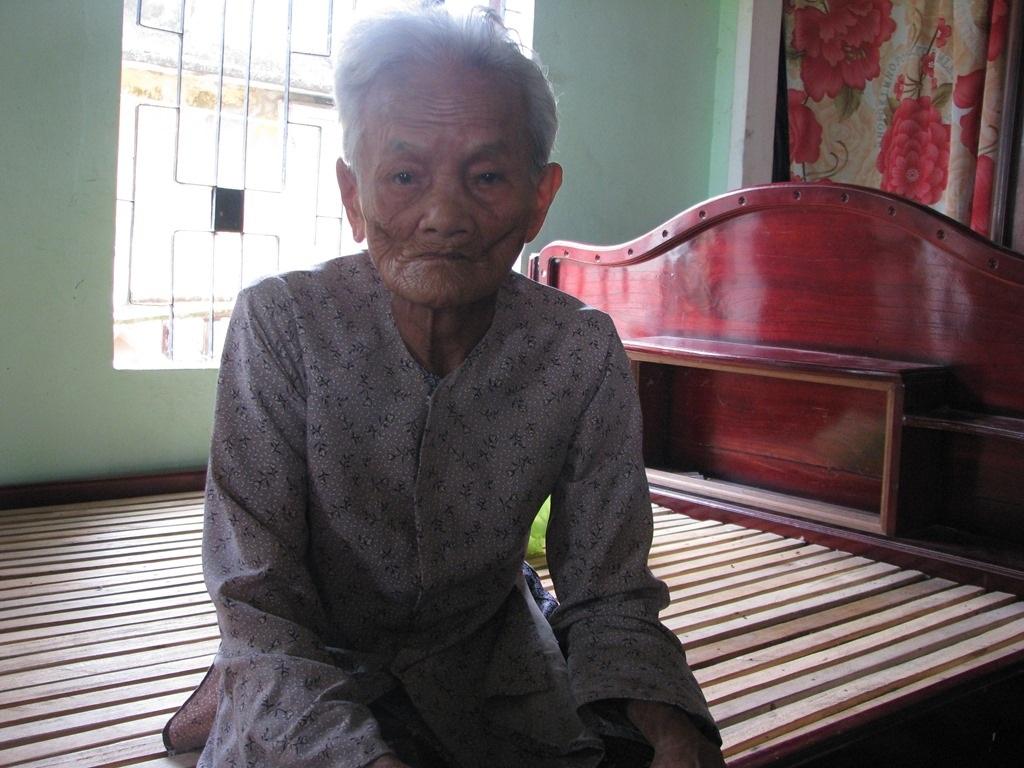 Anh Hạnh còn có bà nội năm nay đã 88 tuổi