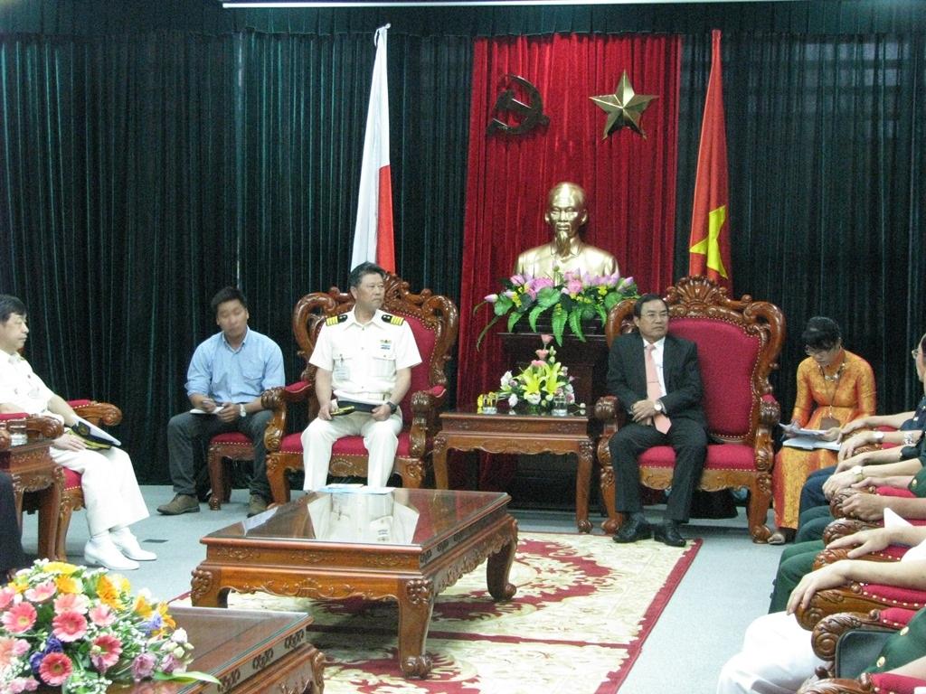 Phó Chủ tịch UBND TP Đà Nẵng Phùng Tấn Viết tiếp