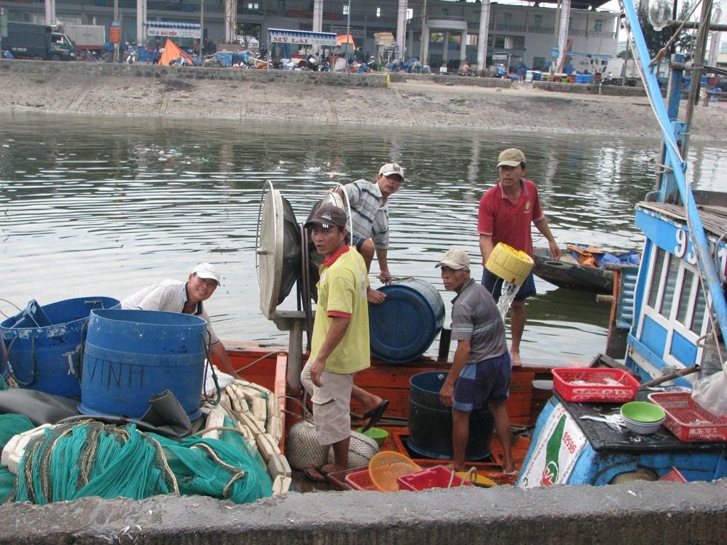 Đối với ngư dân, lệnh cấm của Trung Quốc không có giá trị