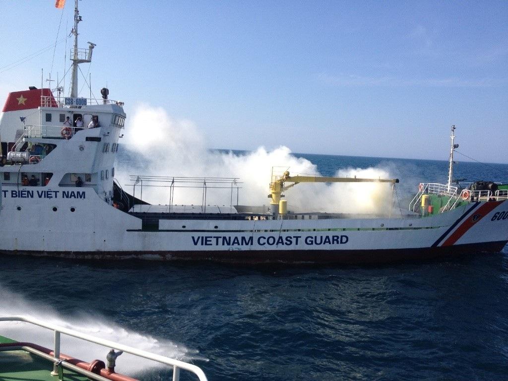 Lực lượng Cảnh sát biển Việt Nam nhận được thông tin về một tàu vận tải bị cháy