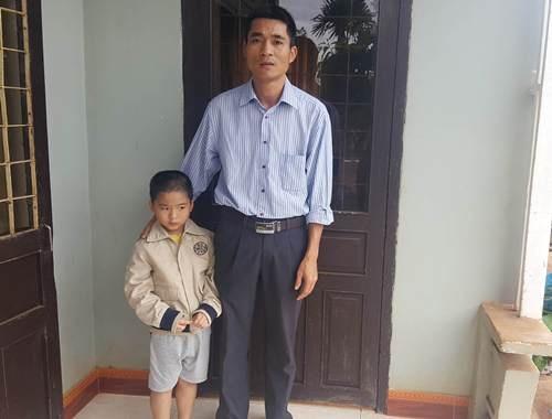 Thầy giáo Đông và người con trai 6 tuổi bị chứng tự kỷ