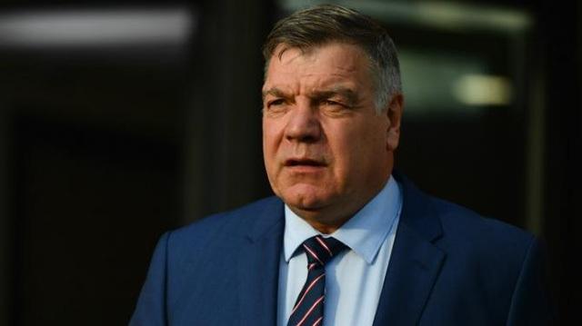 Cùng với HLV Sam Allardyce, 8 HLV khác ở Premier League bị tố cáo nhận hối lộ