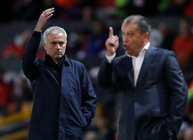 HLV Mourinho phàn nàn về lịch thi đấu