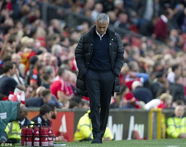 MU của Mourinho có thành tích kém thời Van Gaal