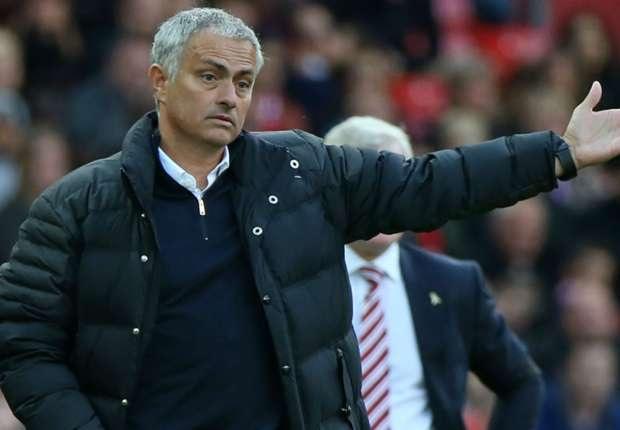 HLV Mourinho tiếc nuối sau trận hòa của MU
