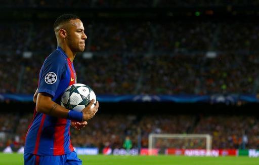 Neymar gia hạn hợp đồng với Barcelona