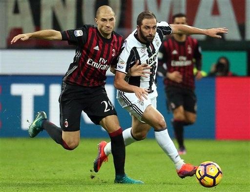 Juventus gục ngã trước AC Milan