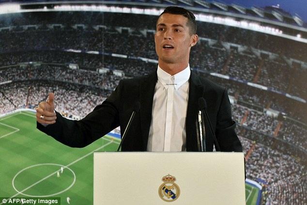 C.Ronaldo ký hợp đồng siêu khủng với Real Madrid - 1