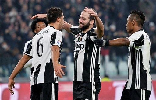 Juventus dễ dàng đè bẹp Pescara