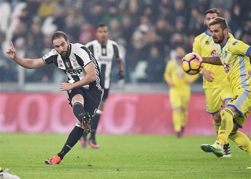 Điều đáng tiếc nhất của Juventus ở trận đấu này là Higuain không thể có bàn thắng