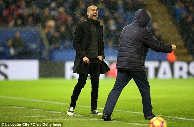 Pep Guardiola đã thực sự nếm mùi Premier League